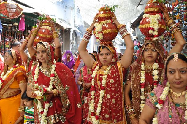 インドの結婚式?!に出くわす!~インド4日目_e0171573_3381549.jpg