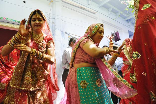 インドの結婚式?!に出くわす!~インド4日目_e0171573_3393085.jpg
