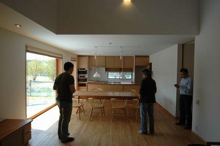家具搬入の撮影に立会いました。_a0059217_1050304.jpg