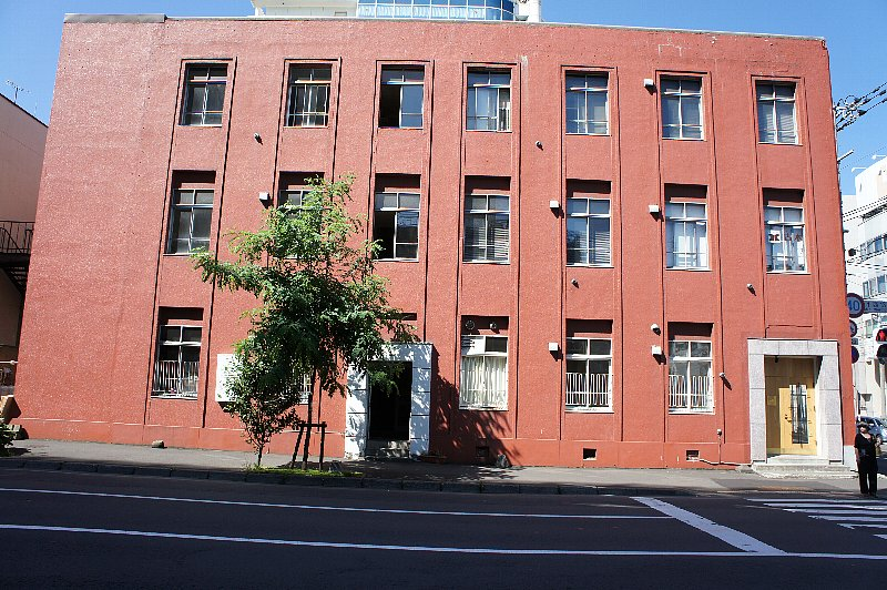 札幌の三誠ビル_c0112559_17362542.jpg
