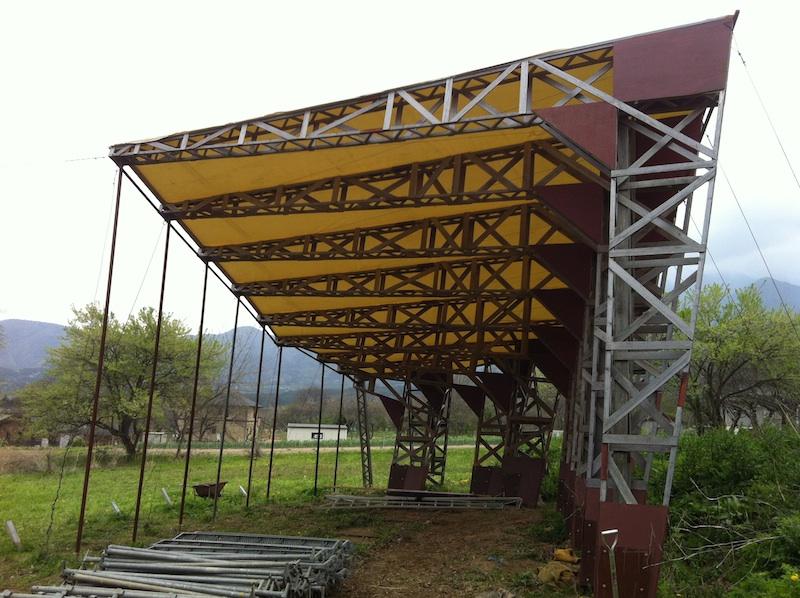 ファントム・野外展示空間の屋根補修_c0131878_23114298.jpg