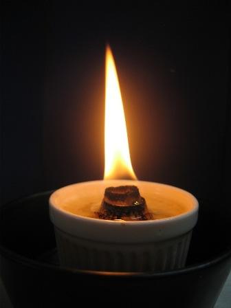 ろうそくの炎を囲む美酒会_e0251278_9184664.jpg