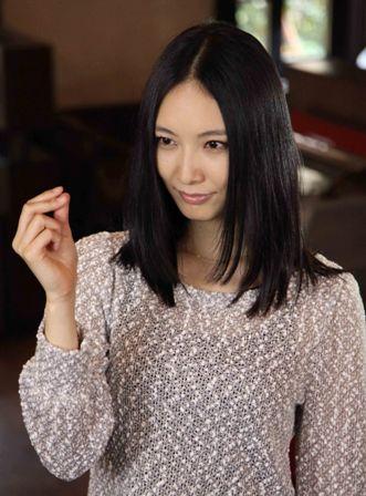 私服の長澤奈央