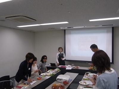 ++大満足続出!野菜教室ミニトマト編++_e0140921_11475936.jpg