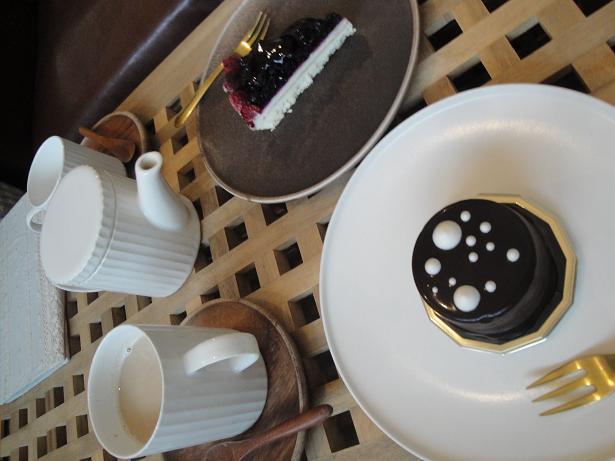 明日のカフェ、祭日の為お休みです♪_e0170128_20154743.jpg