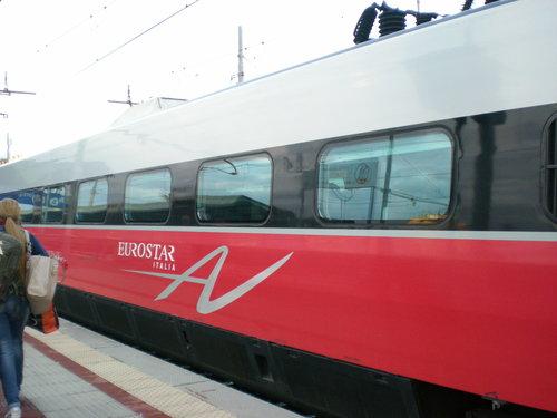 イタリア鉄道の火災事故!?に遭遇!!_c0179785_593279.jpg