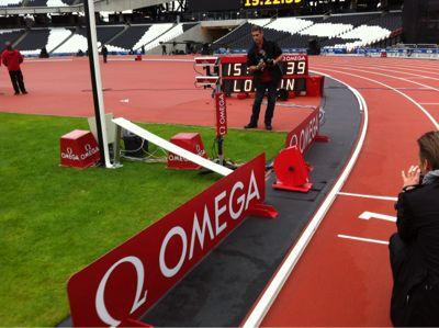 陸上競技場内 ロンドン五輪_f0039351_23291562.jpg
