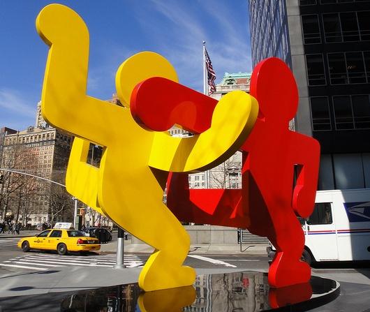 今日のGoogleロゴ、キース・へリングさん作品をニューヨークの街角で見る_b0007805_1329694.jpg
