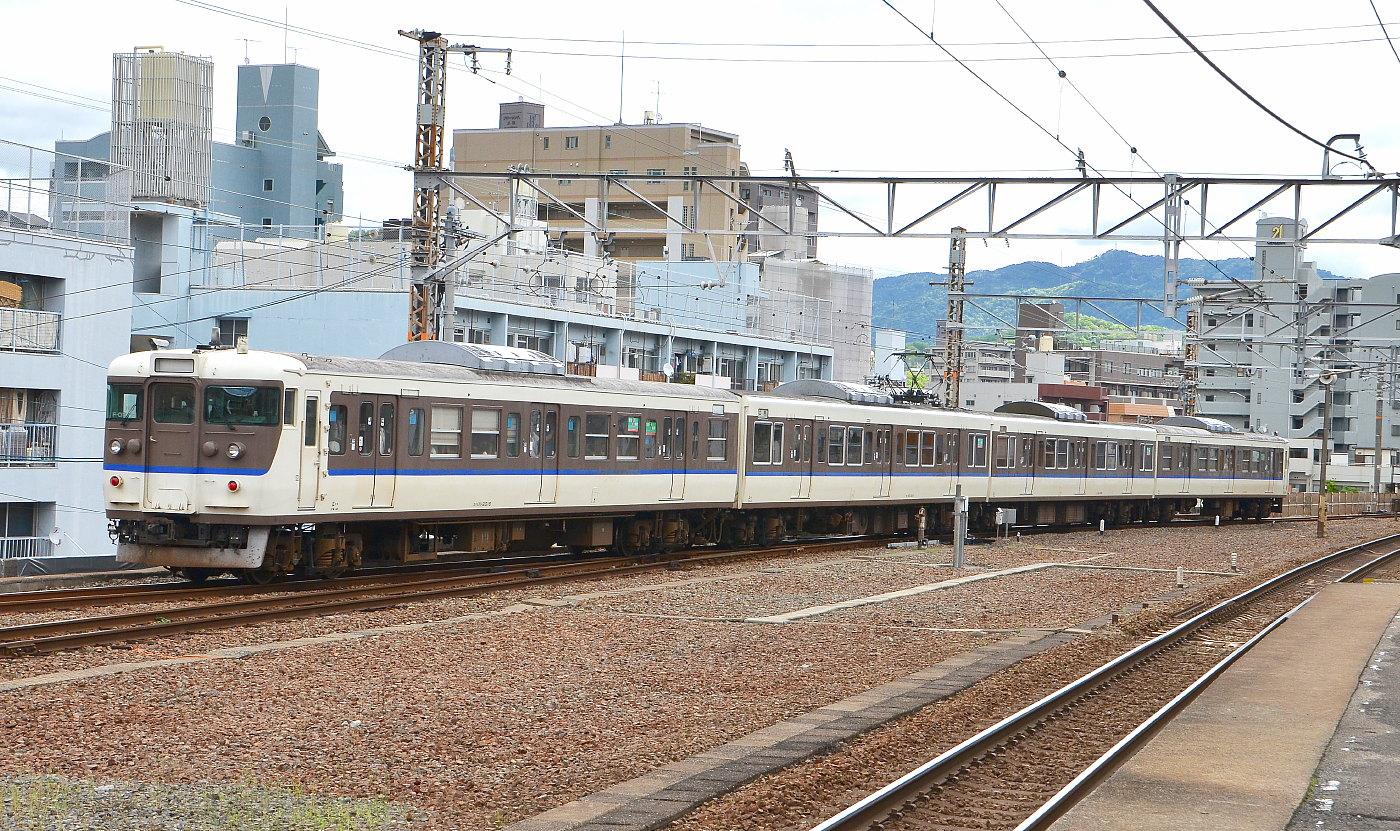 可部線で連休増結列車_a0251146_1154197.jpg