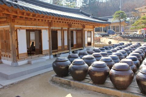 ソウル郊外のレストラン、ナッソンジェ(楽善斎)で、絶品!鶏の煮込み「タッペッスッ」_a0223786_1571345.jpg