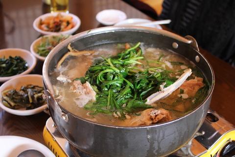 ソウル郊外のレストラン、ナッソンジェ(楽善斎)で、絶品!鶏の煮込み「タッペッスッ」_a0223786_17125423.jpg