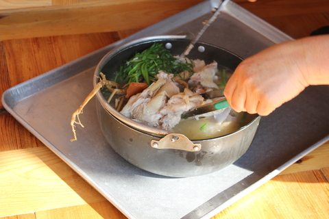 ソウル郊外のレストラン、ナッソンジェ(楽善斎)で、絶品!鶏の煮込み「タッペッスッ」_a0223786_171866.jpg