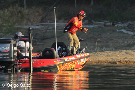 Bassmaster Elite Series #4 Douglas Lake, TN 初日_a0097491_1055121.jpg