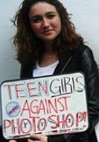 中学生の女の子たちがファッション誌「セブンティーン」のニューヨーク本社前で抗議デモ_b0007805_5154389.jpg
