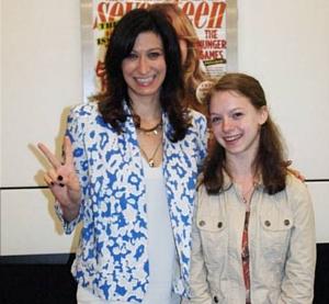 中学生の女の子たちがファッション誌「セブンティーン」のニューヨーク本社前で抗議デモ_b0007805_657498.jpg