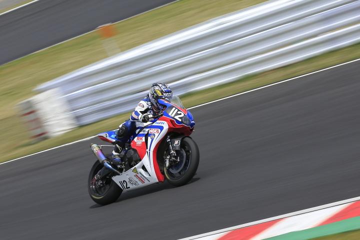 SUZUKA  2&4RACE 【JSB1000 決勝レース】_d0108063_1644441.jpg
