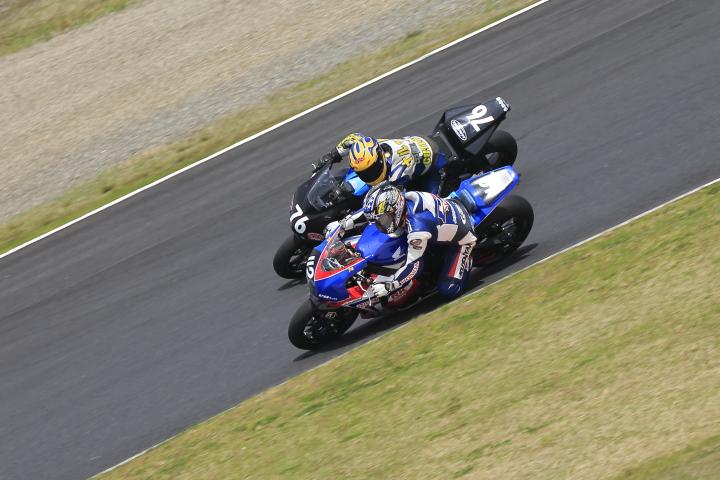 SUZUKA  2&4RACE 【JSB1000 決勝レース】_d0108063_16445616.jpg