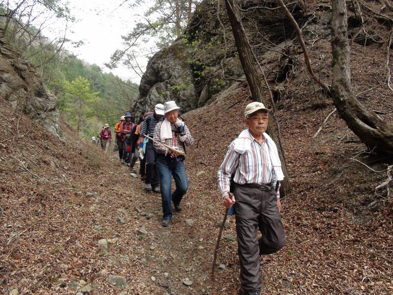 4月30日 旧十石街道〜カイト山ハイキング 開催しました。_b0209774_11124268.jpg