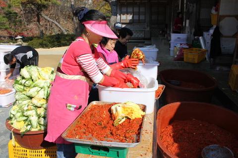 ソウル郊外のレストラン、ナッソンジェ(楽善斎)で、絶品!鶏の煮込み「タッペッスッ」_a0223786_1021014.jpg