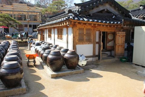 ソウル郊外のレストラン、ナッソンジェ(楽善斎)で、絶品!鶏の煮込み「タッペッスッ」_a0223786_9591510.jpg