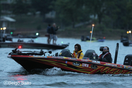 Bassmaster Elite Series #4 Douglas Lake, TN 2日目_a0097491_7351315.jpg
