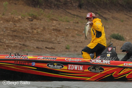 Bassmaster Elite Series #4 Douglas Lake, TN 2日目_a0097491_738381.jpg