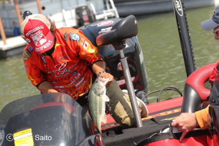 Bassmaster Elite Series #4 Douglas Lake, TN 2日目_a0097491_742176.jpg