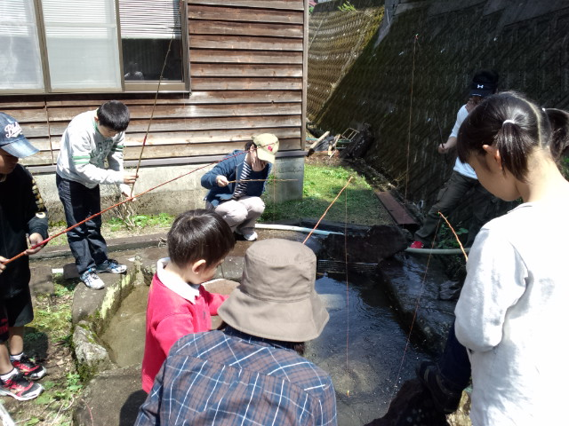 キャンプ最終日 & 『魚釣り大会!』 _f0101226_1111499.jpg