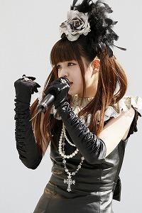 『春奈るな』が5月5日(土)、ラゾーナ川崎にてライブイベントを開催した。_e0025035_12201135.jpg