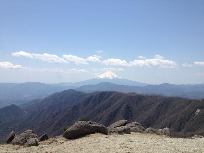 2012.5.5 小金沢連嶺を南下するデイハイク_b0219778_110090.jpg