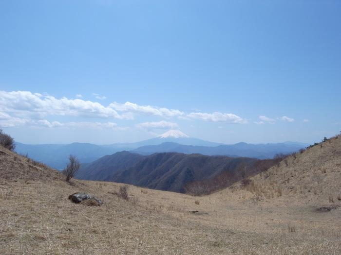 2012.5.5 小金沢連嶺を南下するデイハイク_b0219778_1103926.jpg