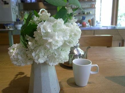 テーブルに花_d0087595_938911.jpg