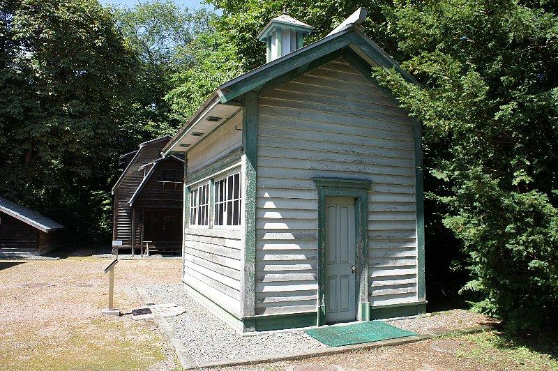 北海道大学農学部植物園 博物館事務所附属博物館便所_c0112559_139382.jpg