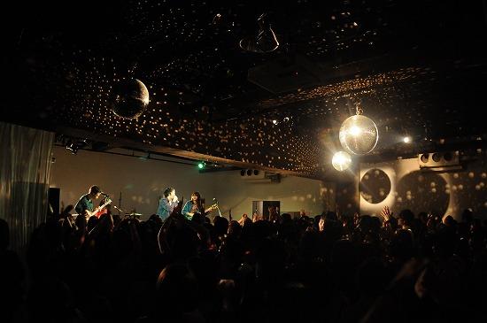 黒猫チェルシー『猫Pack2』 リリースライヴパーティー開幕! 2012年秋リリース&全国ツアー発表!!_e0197970_17582231.jpg