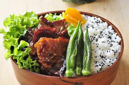 焼肉用の肉弁当と野球息子_b0171098_8555698.jpg