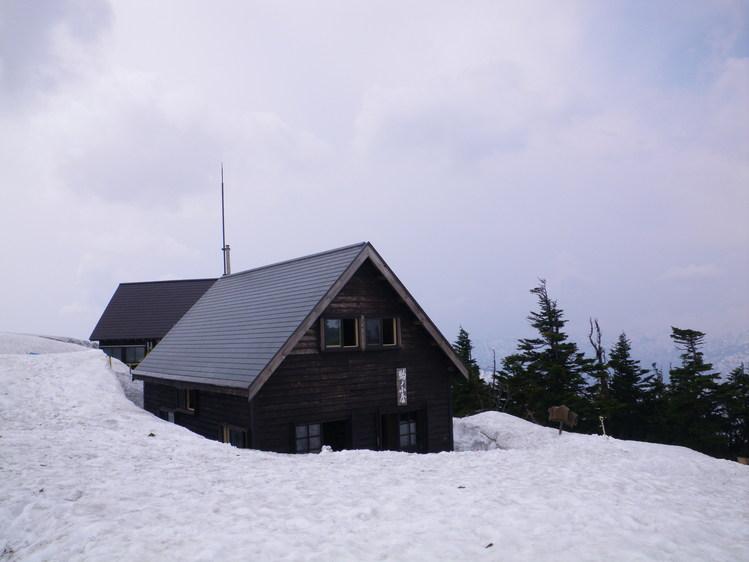 登り1/3は板を担いだ会津駒ヶ岳 ~ 2012年5月6日_f0170180_22441767.jpg