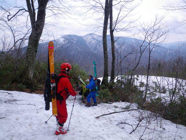 登り1/3は板を担いだ会津駒ヶ岳 ~ 2012年5月6日_f0170180_2334989.jpg