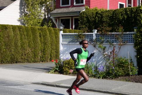 2012年BMOバンクーバーマラソン_d0129786_13213745.jpg