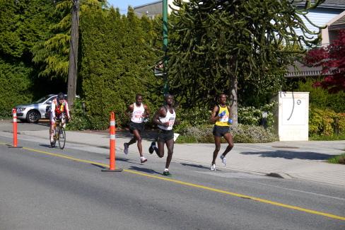 2012年BMOバンクーバーマラソン_d0129786_1362188.jpg