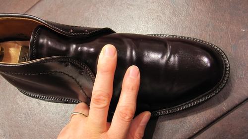 コードヴァン靴にシューツリーを入れるということ_b0226322_13373988.jpg