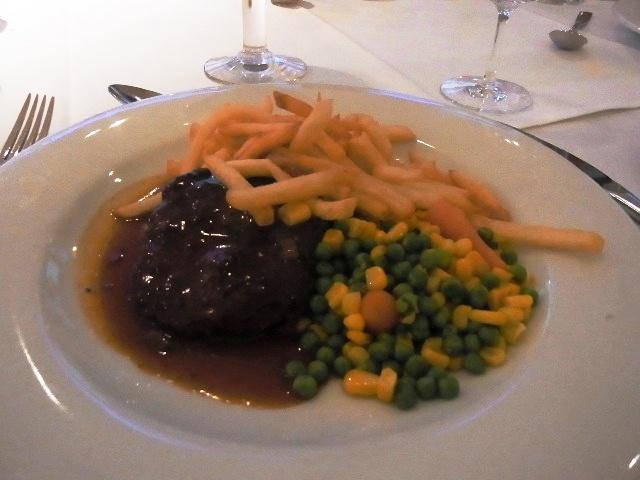 ルクセンブルクの旅 (1) ホテル・アルヴィスパルク Alvisse Parc Hotel_c0011649_1343458.jpg