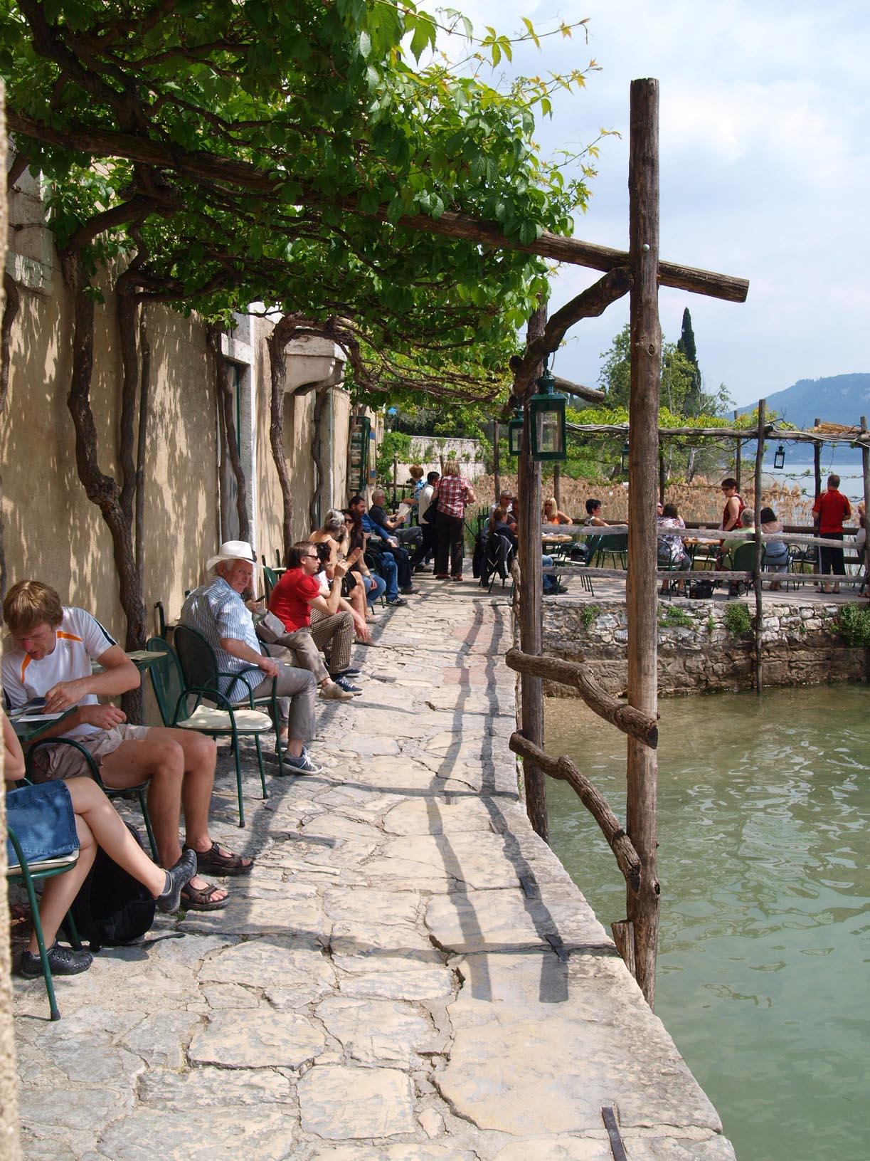 イタリアで一番大きな湖ーーガルダ湖へ!!_c0179785_623956.jpg