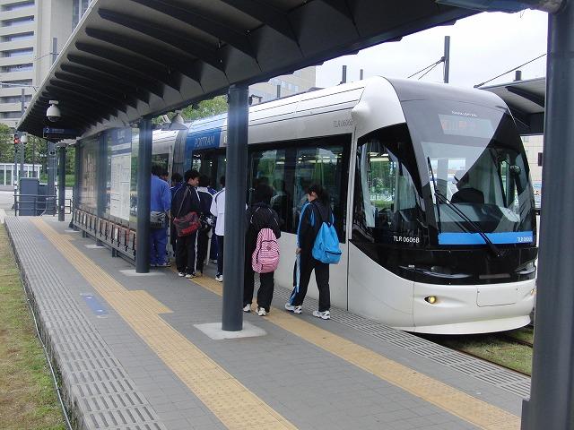 セントラムとポートラム(LRT)が走る街 富山市_f0141310_831695.jpg