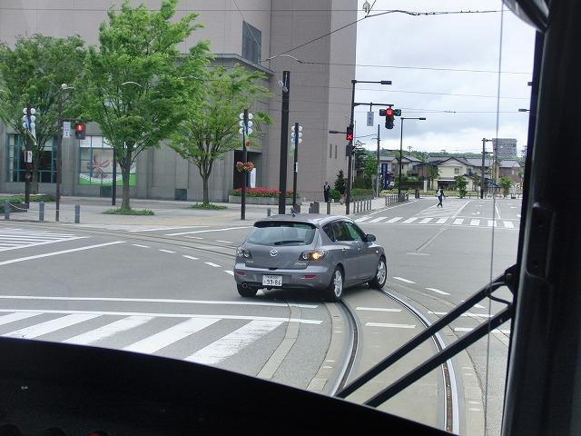 セントラムとポートラム(LRT)が走る街 富山市_f0141310_8353654.jpg