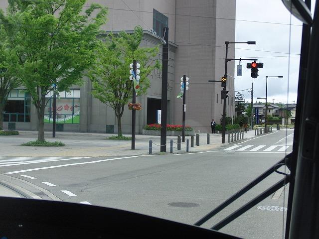 セントラムとポートラム(LRT)が走る街 富山市_f0141310_8354744.jpg