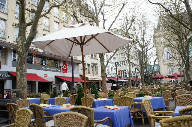 ルクセンブルクの旅 (7) ダルム広場のカフェ・フランセで休憩_c0011649_128772.jpg