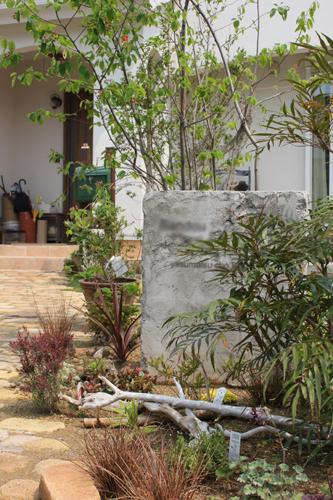 natural junk style garden 002_b0239082_12502837.jpg