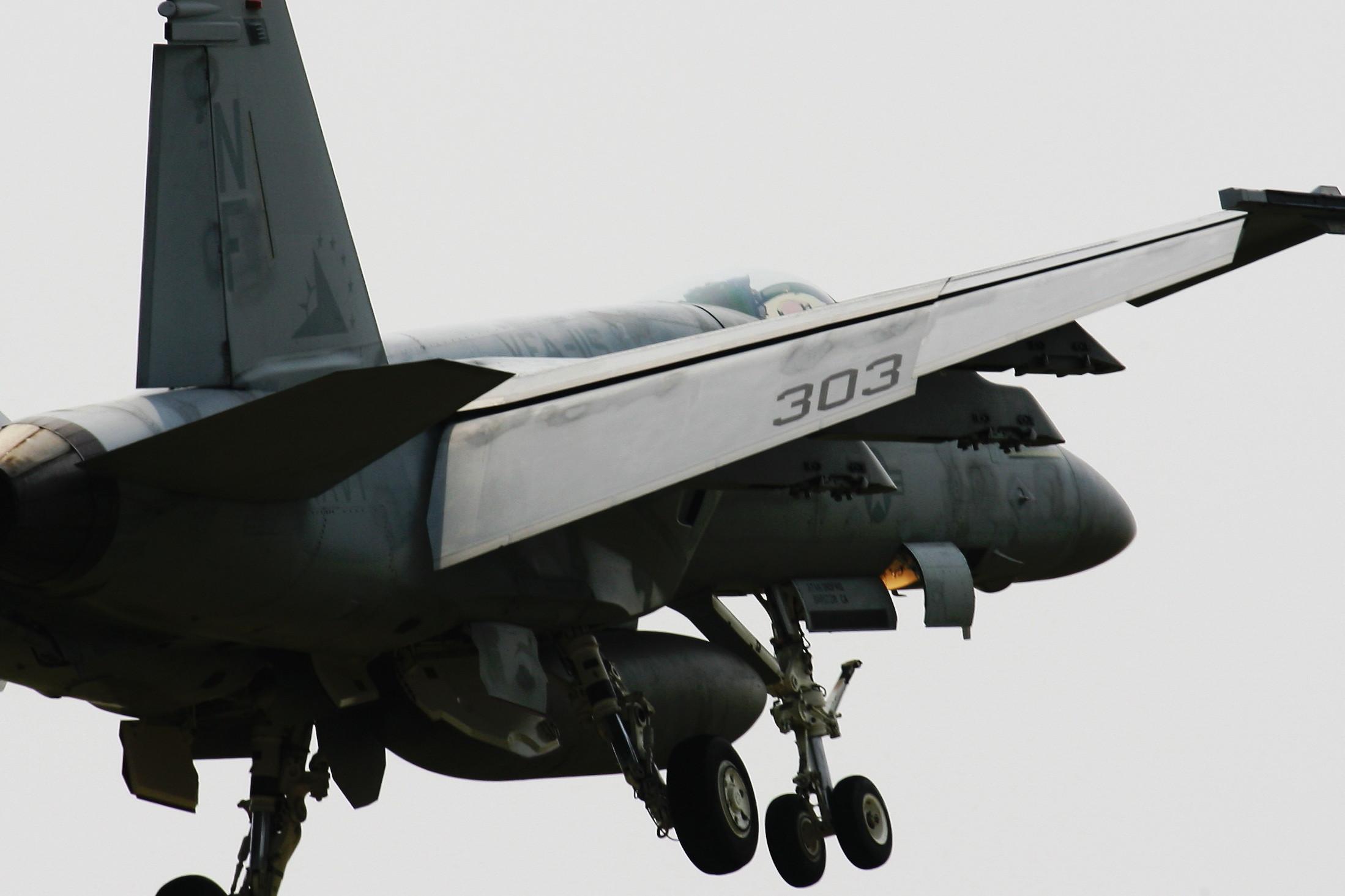 ドドぉ~んと、戦闘機の在庫整理です。_c0247982_22504862.jpg