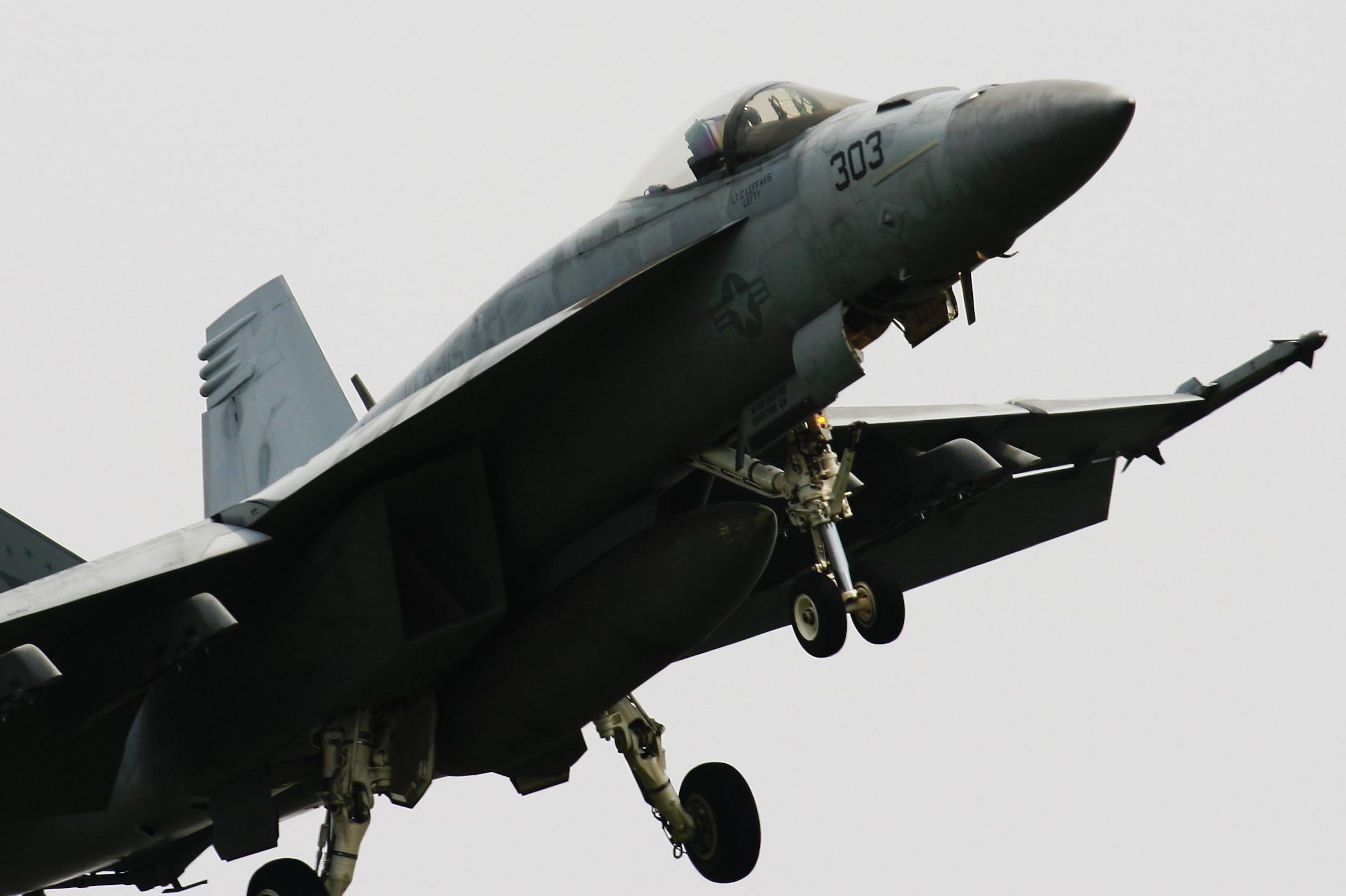 ドドぉ~んと、戦闘機の在庫整理です。_c0247982_22514878.jpg