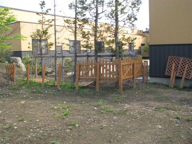 ◆ 木柵補強設置 ◆_c0078202_942341.jpg